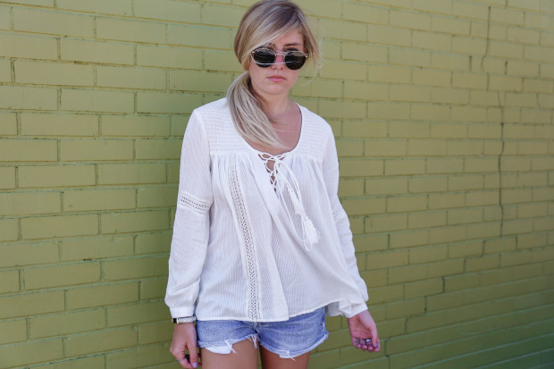 ray ban sunglasses and peasant blouse
