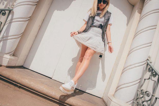 FLounce mini skirt and band tee