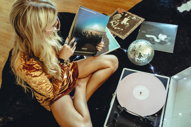 crosley-x-uo-white-record-player