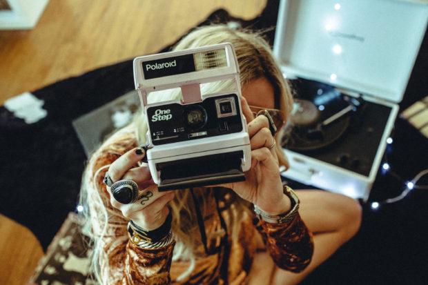 light-pink-color-one-step-polaroid-camera